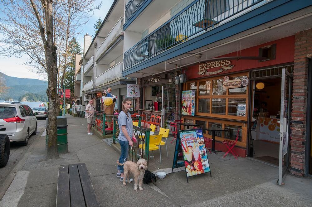 Local Amenities Deep Cove Shopping